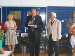 Deputy Mayor of Kenilworth opens the MDS Annual show
